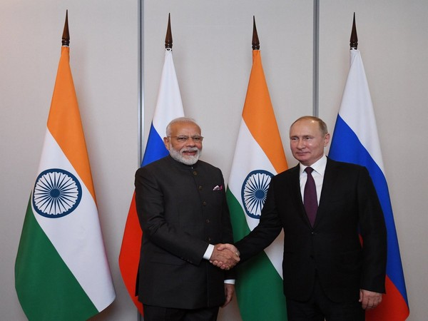 Prime Minister Narendra Modi with Russian President Vladimir Putin (File pic)