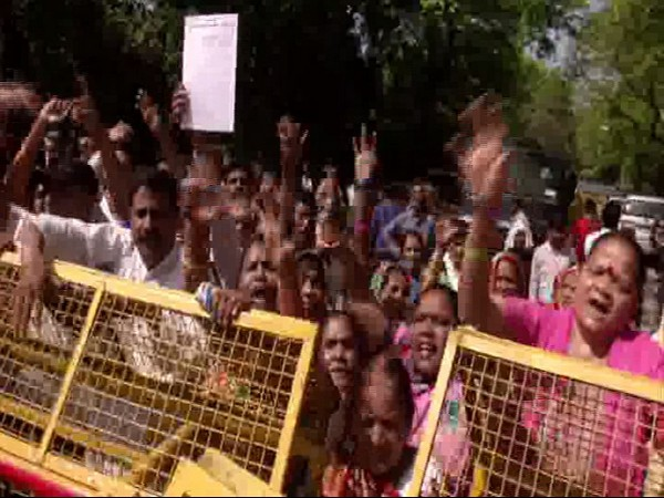 Raj Kumar Chauhan's supporters protest in front of Congress president's house in New Delhi on Sunday. [Photo/ANI]