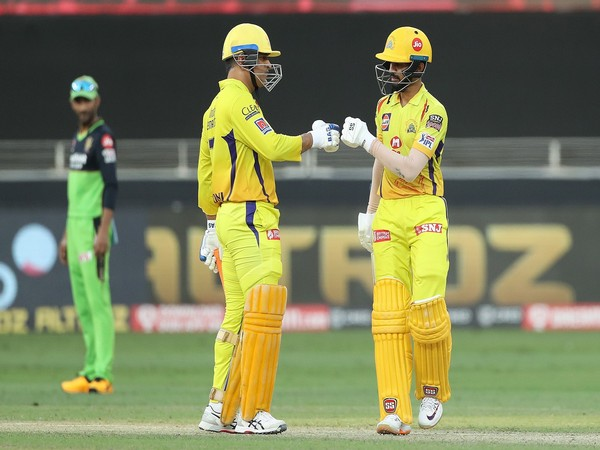 CSK skipper MS Dhoni with Ruturaj Gaikwad (Photo/ iplt20.com)