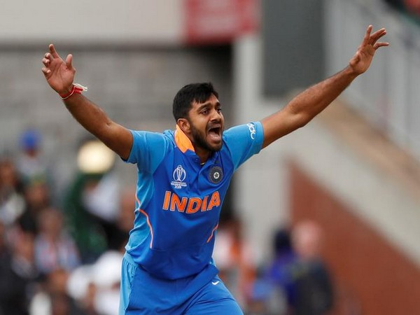 All-rounder Vijay Shankar appeling for wicket in the match against Pakistan