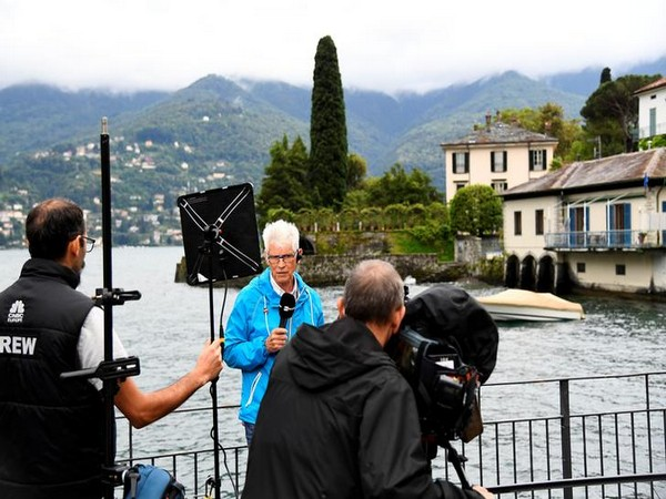 Media awaiting arrival of the Obama family to Villa Oleandra, the home of American star George Clooney, in the northern Italian lakefront hamlet of Laglio