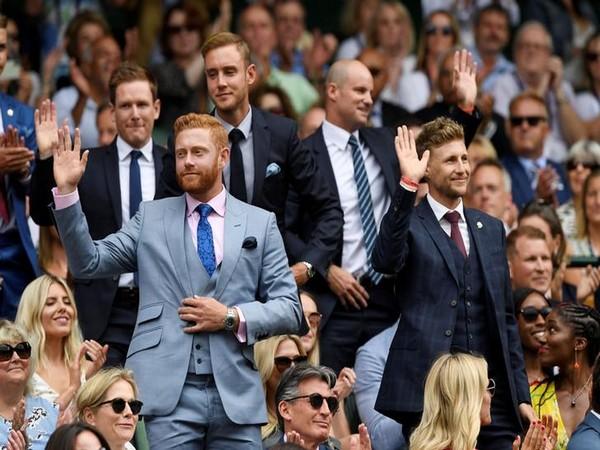 England cricketers at Wimbledon
