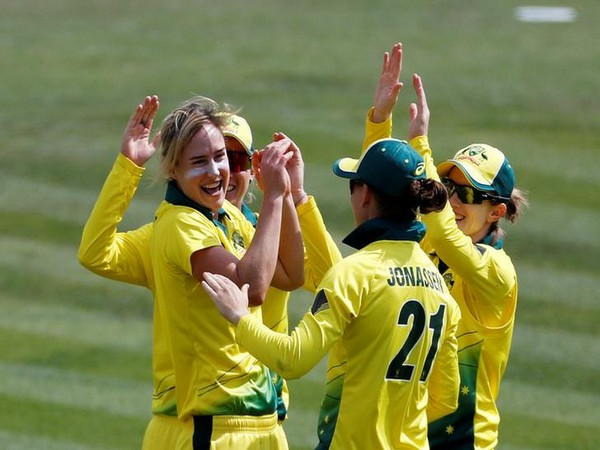 Australia registered a 194-run victory over England on Sunday.