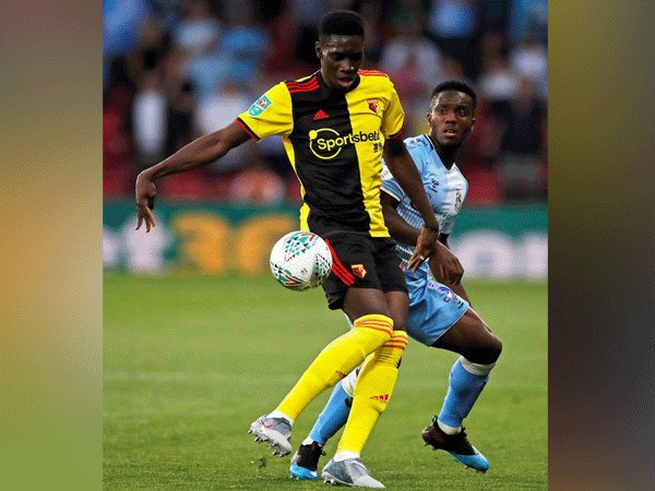 Watford's Ismaila Sarr in action with Coventry City's Brandon Mason