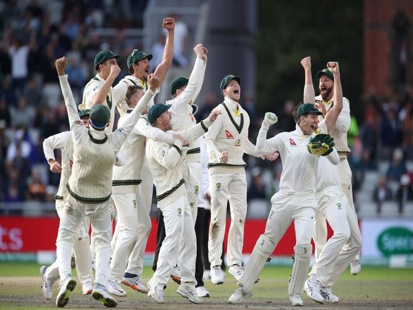 Australia celebrate after retaining the Ashes