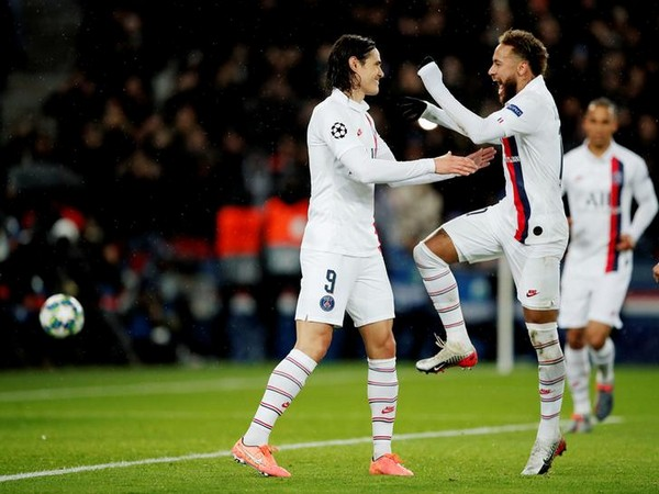 PSG's Edinson Cavani (left) with Neymar (right)