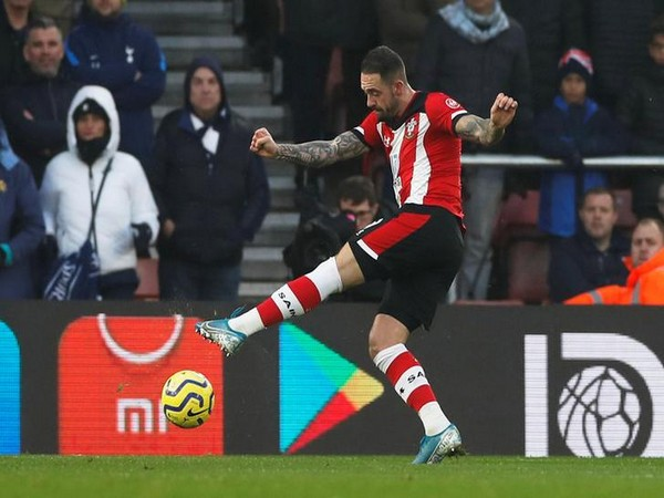 Southampton's Danny Ings in action against Tottenham Hotspur.