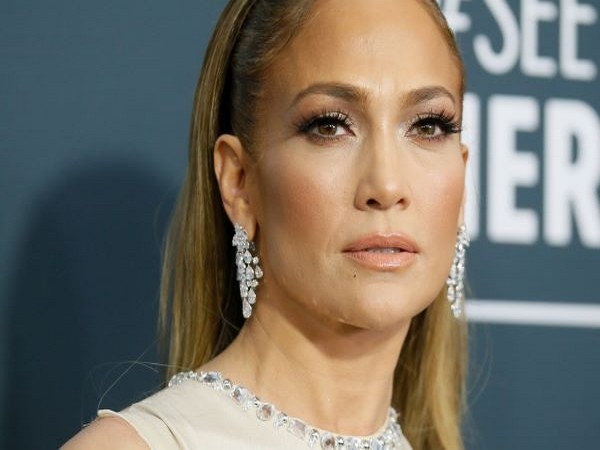 Actor Jennifer Lopez.