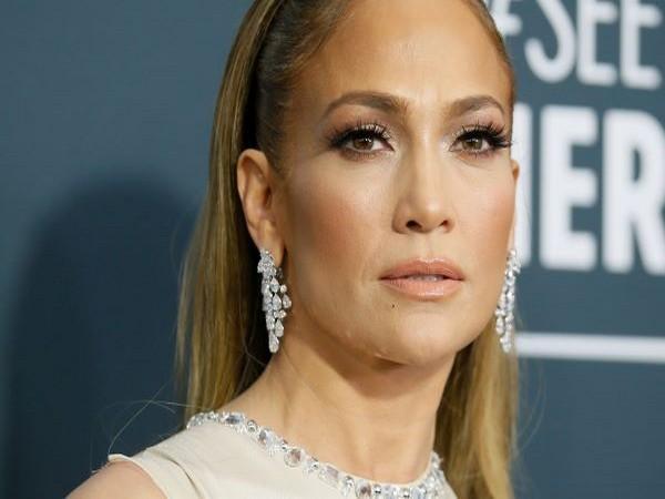 Actor-singer Jennifer Lopez