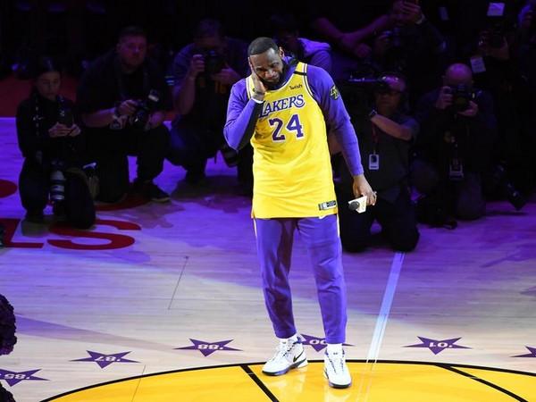 LeBron James gives tribute to Kobe Bryant
