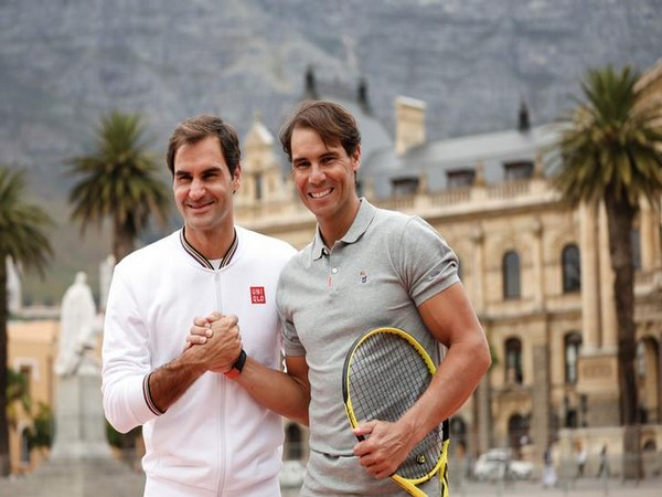 Roger Federer (left) and Rafael Nadal (right)