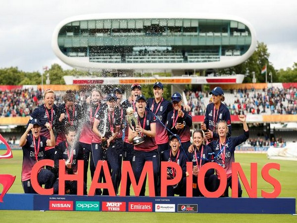 England women's team with the World Cup 2017 trophy at the Lord's