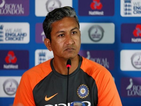 Sanjay Bangar, RCB's batting consultant (file image)