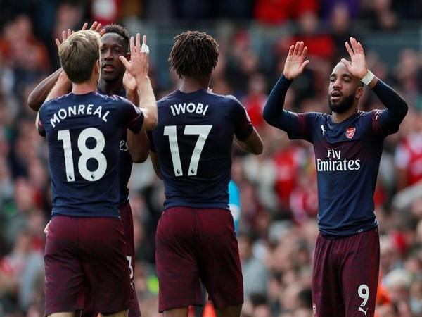Arsenal's Alex Lacazette (right)