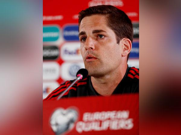 Spain assistant coach Robert Moreno
