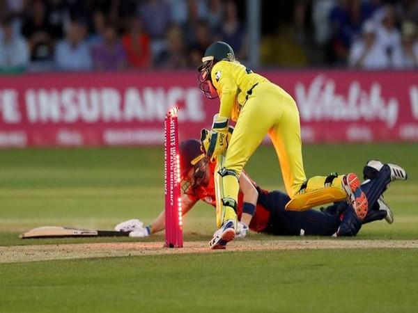 Australia wicket-keeper Alyssa Healy run out England skipper Heather Knight.
