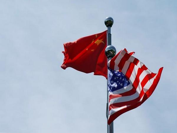 China, US flags
