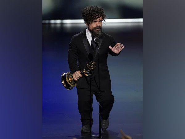 Peter Dinklage wins Supporting Actor in a Drama Series