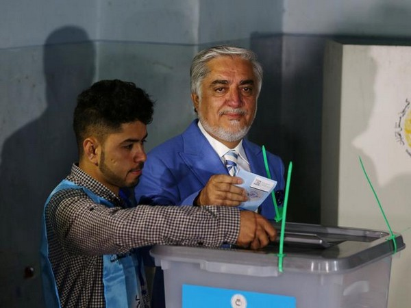 DATE IMPORTED:28 September, 2019Afghan presidential candidate Abdullah Abdullah casts his vote at a polling station in Kabul