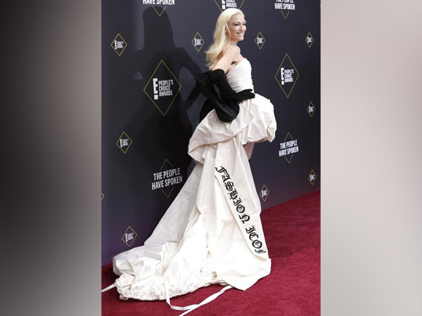 Gwen Stefani at the People's Choice Award.