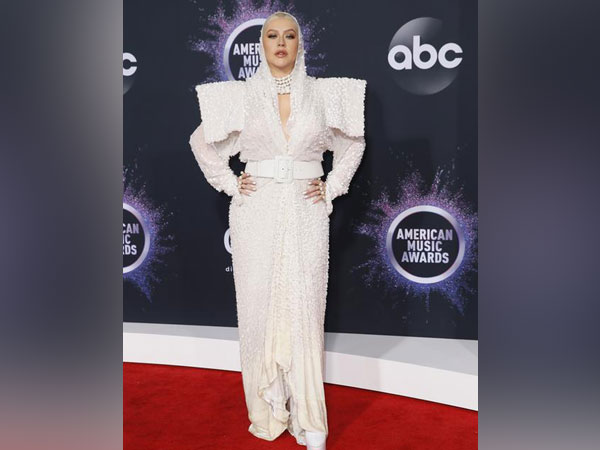 Christina Aguilera at the American Music Awards 2019.