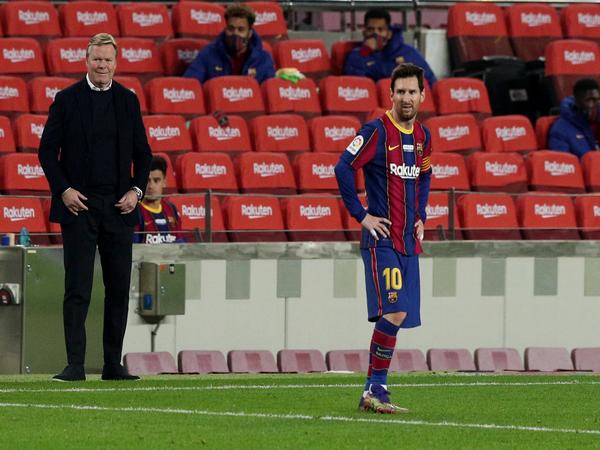 Ronald Koeman and Lionel Messi (File photo)