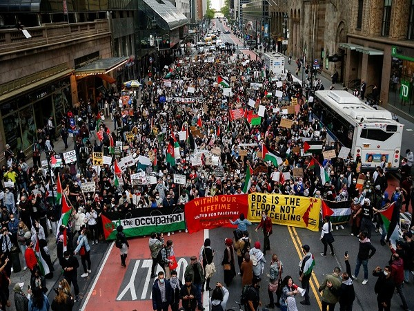 Demonstrators protesting near Israeli Consulate in New York (Credit: Reuters Pictures)