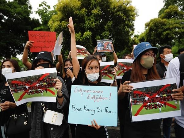Anti-military protests in Myanmar (Credit: Reuters)