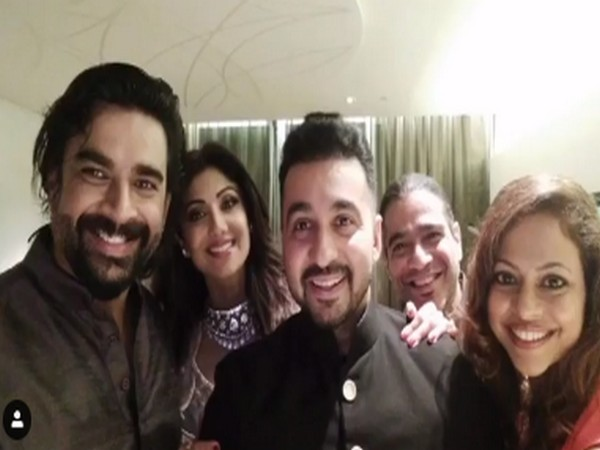 Actors R Madhavan and Shilpa Shetty with their families (Image Source: Instagram)