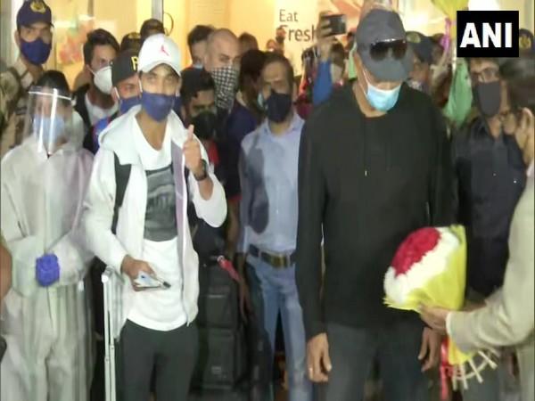 India stand-in skipper Ajinkya Rahane and coach Ravi Shastri.