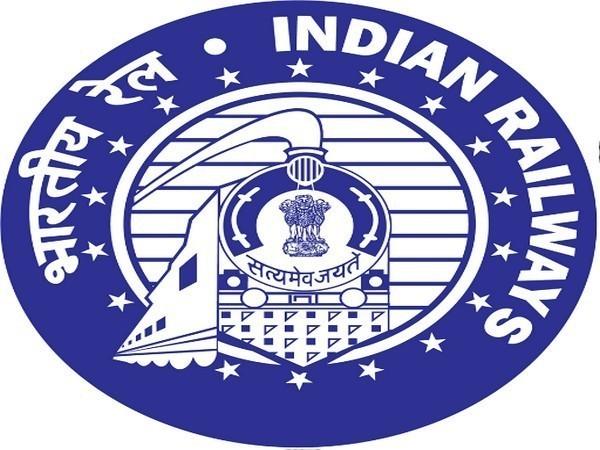 Pune-Gorakhpur summer special train will also halt at Lucknow station.