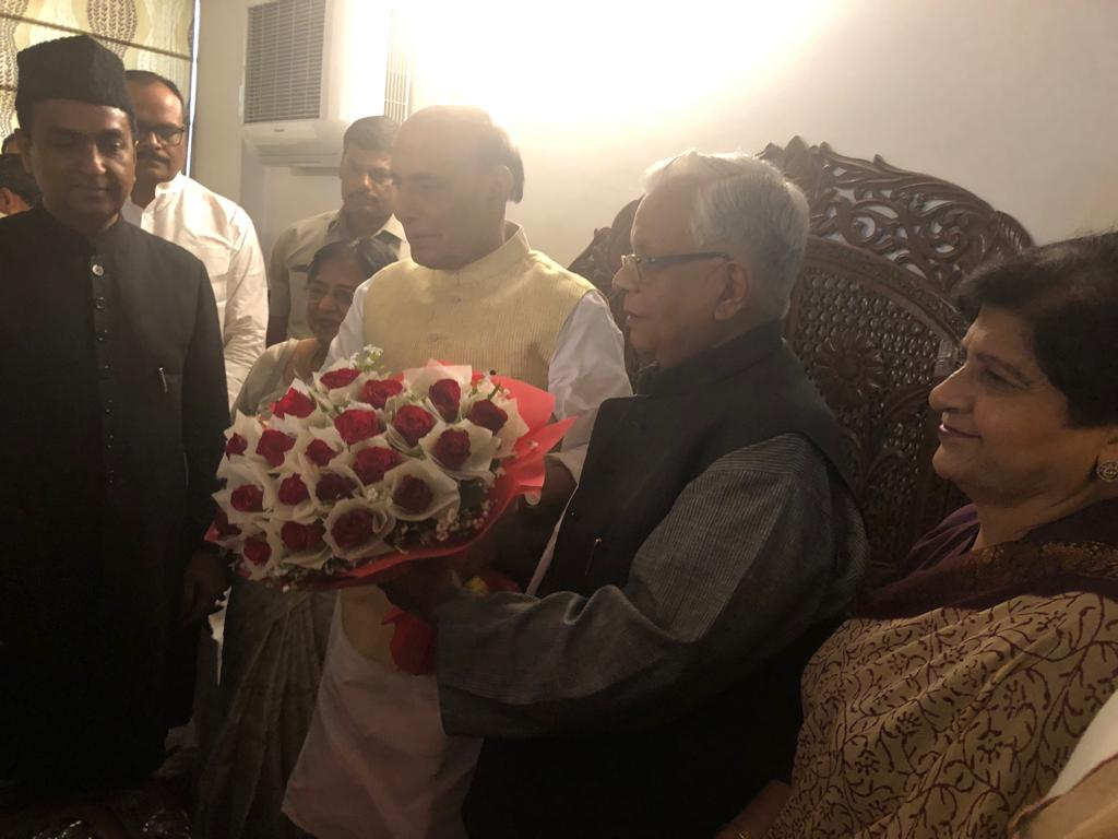 Union Home Minister Rajnath Singh while meeting with Dr Ammar Rizvi in Lucknow on Friday. Photo/ANI