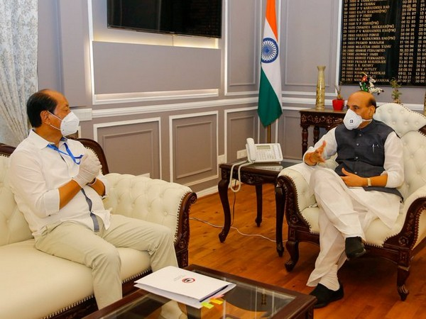 Nagaland Chief Minister Neiphiu Rio meeting with Defence Minister Rajnath Singh in New Delhi. (Photo: Twitter)