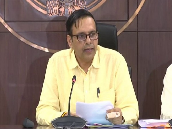 Principal Secretary of Medical Education Rajnish Dubey addressing a press conference on Thursday in Lucknow. Photo/ANI
