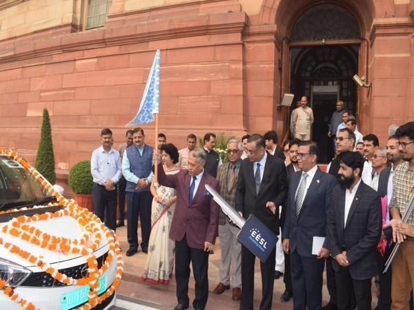 Desh Deepak Verma, Secretary-General, Rajya Sabha yesterday flagged off at Parliament House two units of E-vehicle. (Photo courtesy: RS Secretariat))