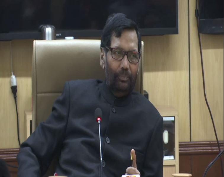 Union Minister Ram Vilas Paswan speaking to reporters in New Delhi on Tuesday. Photo/ANI