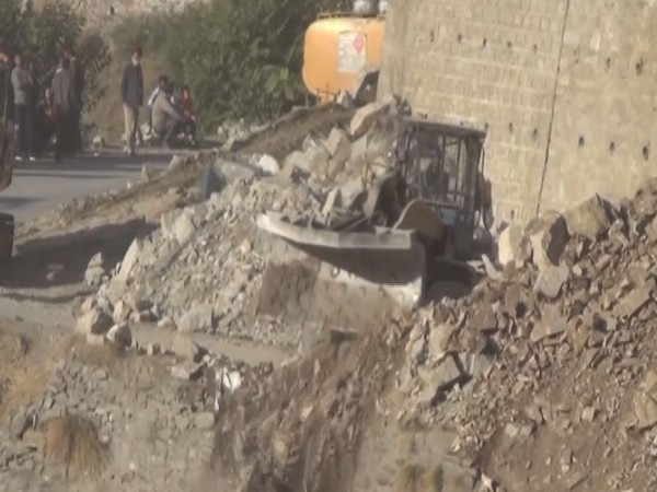 The landslide on NH-44 blocked vehicular movement for the second day on Monday.