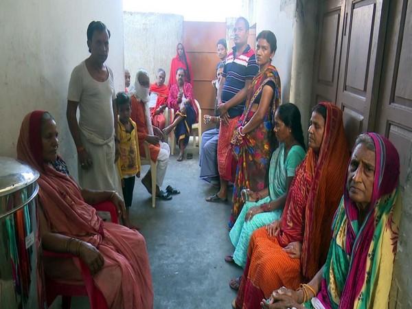 Pilgrims from Bihar, UP stuck in Rameswaram. Photo/ANI