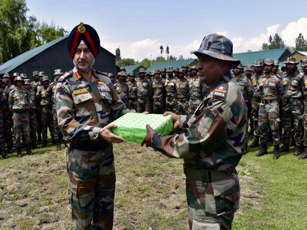 Northern Army Commander Lt Gen Ranbir Singh (left) on his last day visit to Jammu and Kashmir on Friday. Photo/ANI