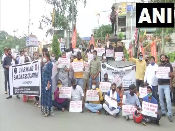 Jharkhand Salon Association staged a protest in Ranchi on Monday. (Photo/ANI)