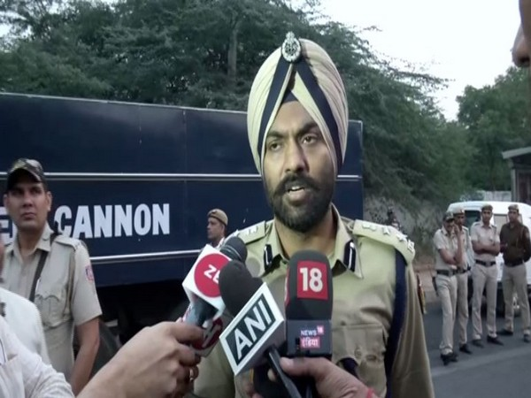 DCP, Central, MS Randhawa speaking to reporters in New Delhi on Monday. Photo/ANI