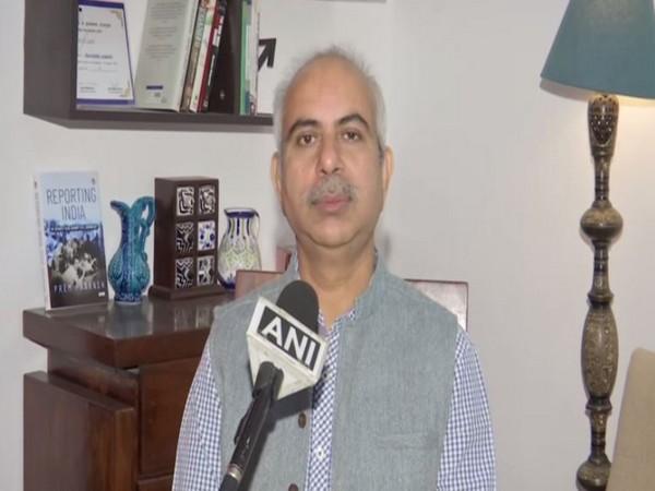 Journalist Rasheed Kidwai speaking to ANI in Bhopal on Wednesday. [Photo/ANI]