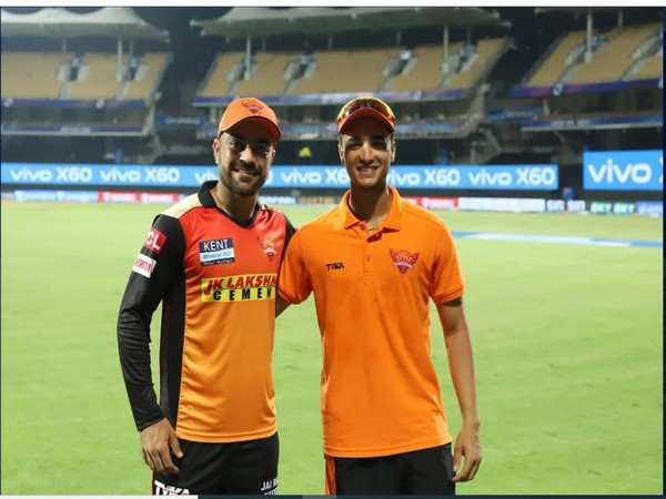 Rashid Khan with Abhishek Sharma (Photo/ iplt20.com)