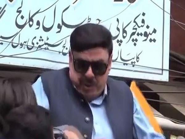 Pakistani Minister Sheikh Rashid got an electric shock while addressing a gathering on Friday. Photo/ANI