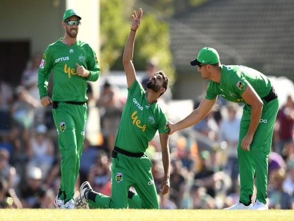 Haris Rauf was awarded player of the match for taking fifer. (Photo/Melbourne Stars Twitter)