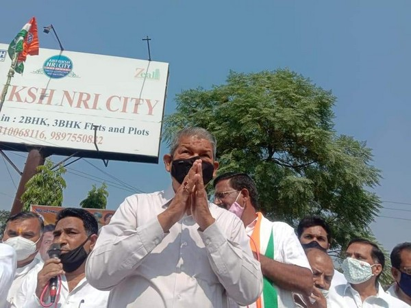 Uttarakhand former Chief Minister Harish Rawat in a Rally in Haridwar. Photo/Twitter/Harish Rawat
