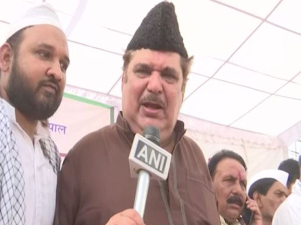 Veteran actor Raza Murad speaking to ANI in Bhopal on Wednesday.
