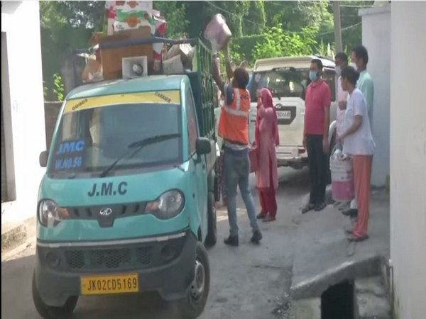 Garbage collection in Jammu. (Photo/ANI)