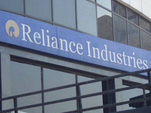 S&P says sizable investments by RIL are a risk to its underlying view on the company.