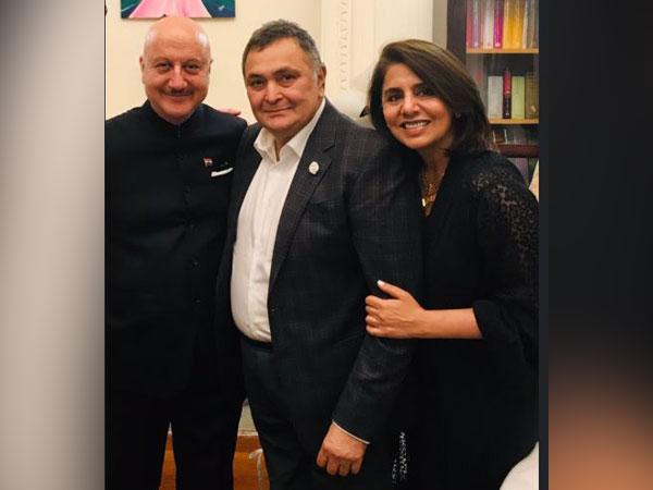 Anupam Kher, Rishi Kapoor and Neetu Kapoor, Picture courtesy: Twitter